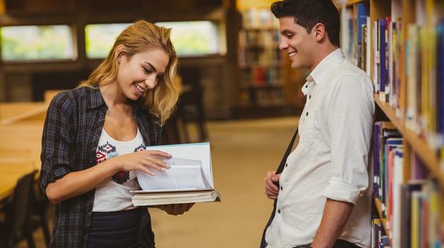 Neizpodbitni dokazi, da flirta s tabo (foto: Profimedia)