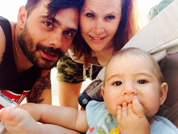 Mamica Teja nas z objavo fotografij male dojenčice navdušuje na svojem facebooku, tako da lahko vidimo, kako Sia pridno raste …