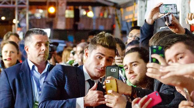 Zac Efron je vesel, da ga obožujejo tudi moški! Poglej, zakaj (foto: Profimedia)
