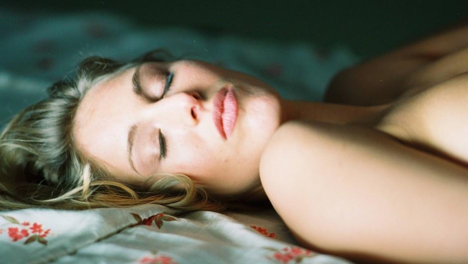 Preizkusi položaj za orgazme - položaj svaljkanje! (foto: Profimedia)