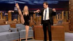 VIDEO: Vau! Poglej, kako gibčna je 'Bridget Jones'