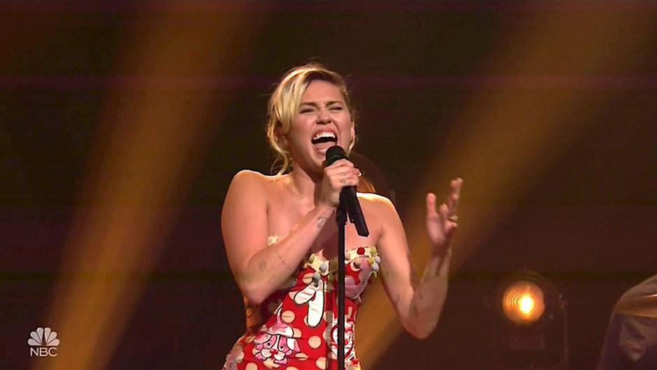 VIDEO: Miley Cyrus, je to res tvoj glas?!? (foto: Profimedia)