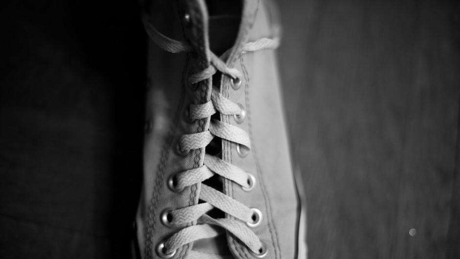 Pomagaj družini v stiski, podari svoj par čevljev! (foto: Profimedia)
