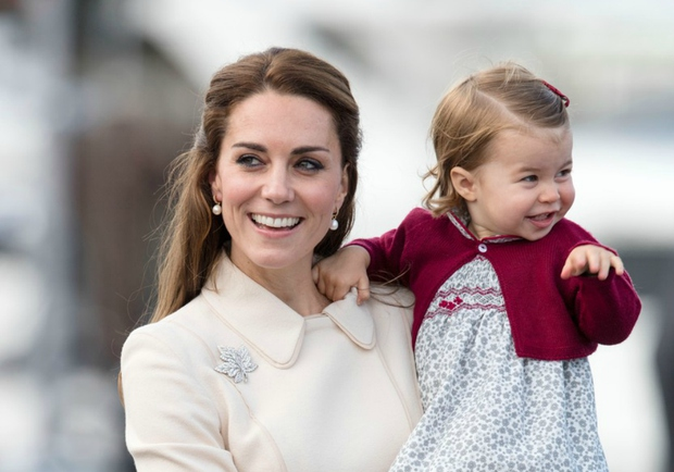 Princeska Charlotte je že sedaj precej oblegan karakter v svetovnih medijih. Svetu se je s svojo ljubkostjo še posebej prikupila …
