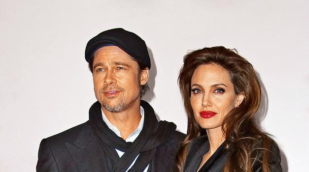 Brad Pitt in Angelina Jolie: V boju za 16-karatni diamant (foto: Profimedia)