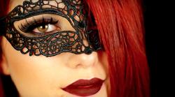VIDEO: Preprost in noro zapeljiv make-up za zabavo za noč čarovnic 2016