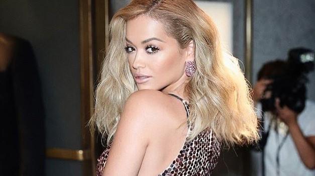 """Rita Ora: """"Ni me sram priznati, da obiskujem terapije in da me včasih grabi panika"""""""