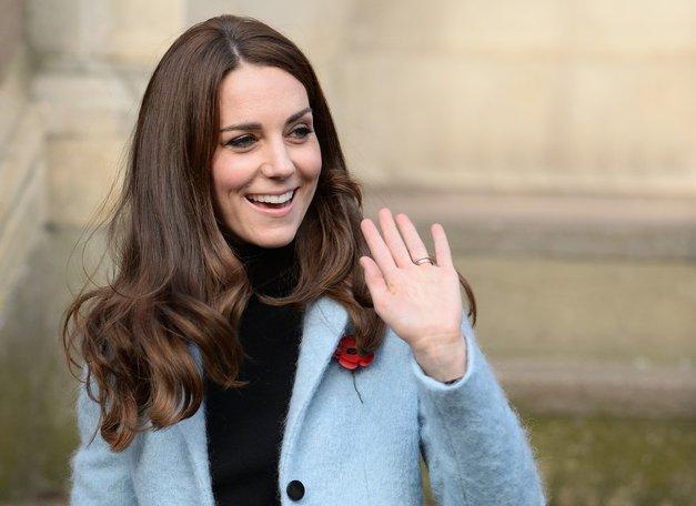 Kate Middleton je s svojimi prsti sprožila preplah na otoku! (foto: Profimedia)