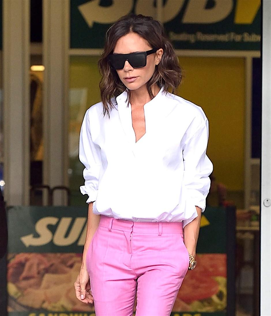 3 TOP načini, kako nositi belo srajco (foto: Profimedia)