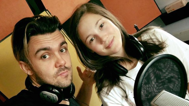 VIDEO: Ne samo Raay, poglej kako glasbeno nadarjena je tudi njegova sestra! (foto: facebook.com/maraayamusic)