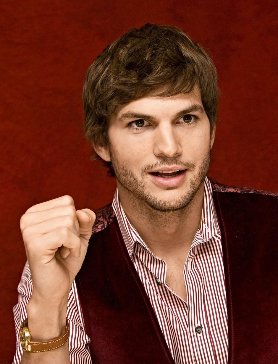 Ashton Kutcher: Želel si je vzeti življenje, da bi rešil brata dvojčka (foto: Profimedia)