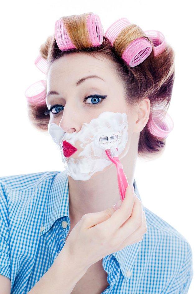 Bi se rada za vedno znebila nadležnih dlačic? Zima je idealen čas za ta poseg! (foto: Profimedia)