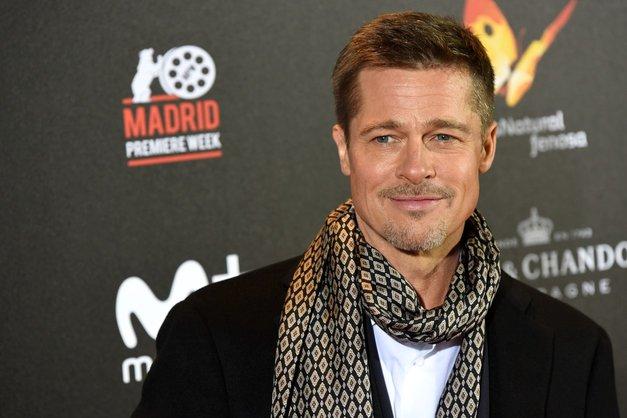 Brad Pitt zagledan v 32 let mlajšo!? (foto: Profimedia)