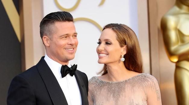 """""""Ona je vsega kriva!"""" - Zakaj pri ločitvah (slavnih) za razpad vedno najprej obtožimo žensko?"""