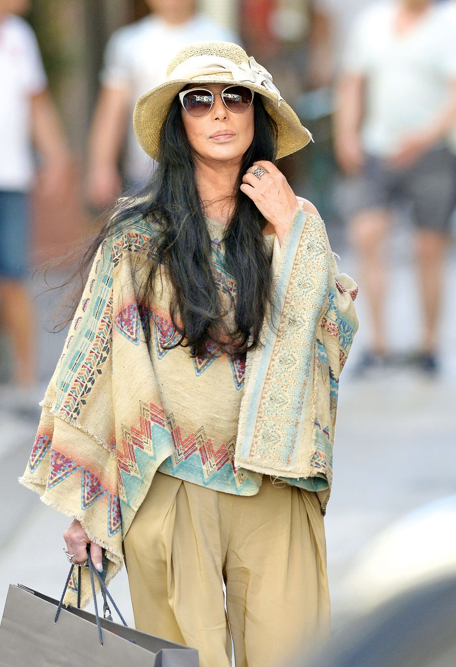 Bolna in obubožana slovita zvezdnica Cher se sooča z nenavadno tožbo (foto: Profimedia)