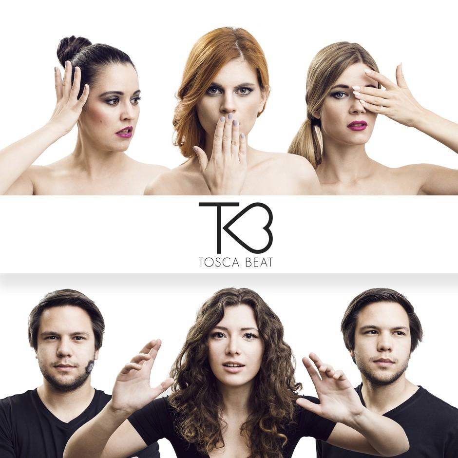 Ema 2017: premierni nastop skupine TOSCA BEAT - Kdo so tri dekleta? (foto: Anže Vrabl)