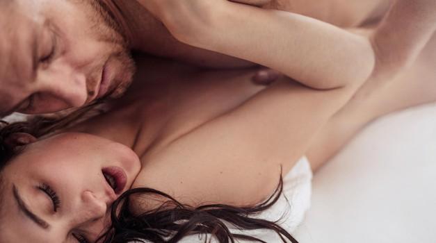 THE položaji, v katerih 100x lažje dosežeš orgazem (foto: Profimedia)