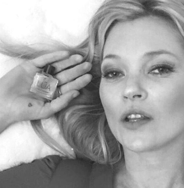 Kate Moss najnovejša žrtev hekerjev! Ukradli njene zelo intimne ... (foto: Kate Moss)