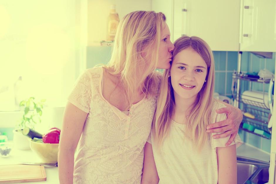 Zakaj je prav odnos mama-hči v življenju eden najbolj zapletenih? (foto: Profimedia)