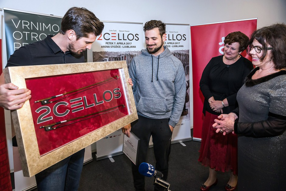 Loka 2Cellos prodana za kar 12.000 evrov! (foto: Simone Di Luca)