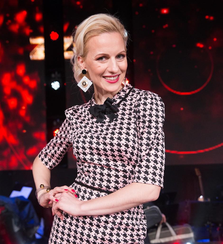 Sodnica Nika (Zvezde plešejo) spregovorila o kritikah in pokazala fotografije iz najstniških let (foto: Miro Majcen/POP TV)
