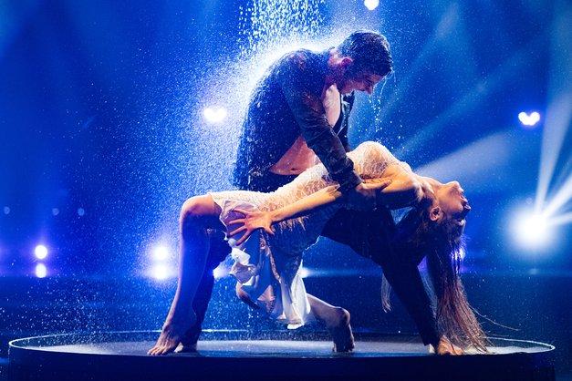 """Zvezde plešejo: """"Plesni seks"""" buri duhove, točko komentirala tudi Mihova žena Danijela (foto: Miro Majcen/POP TV)"""