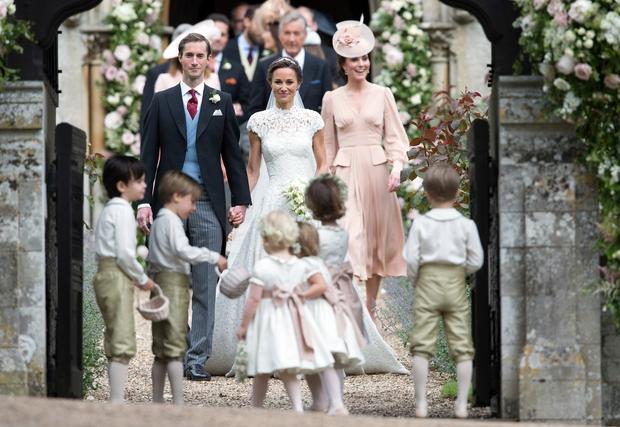 Kate Middleton Se še spomniš poroke leta? Usodni da je finančniku Jamesu Matthewsu dahnila Pippa Middleton, mlajša sestra vojvodinje Kate …