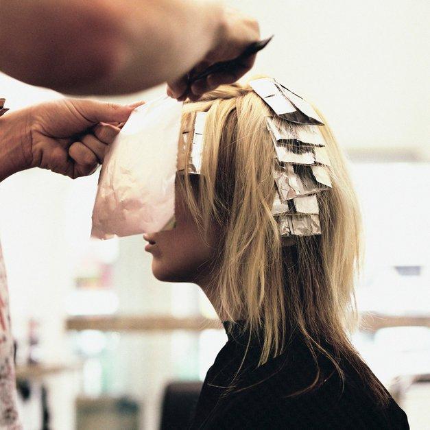 Ko greš naslednjič k frizerju, ga obvezno vprašaj TOLE! (foto: Profimedia)