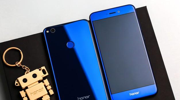 Na to moraš paziti pri izbiri novega pametnega telefona (foto: Promo)