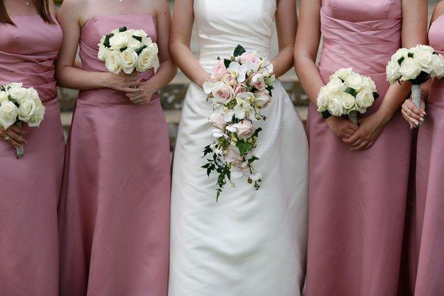 Koliko te pravzaprav res stane, če si del poroke? (foto: Profimedia)