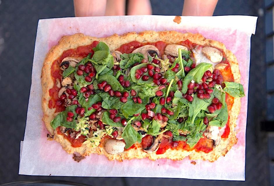Cvetačna pica: ko obožuješ pico, pa ti jo tvoja dieta prepoveduje (recept) (foto: Profimedia)