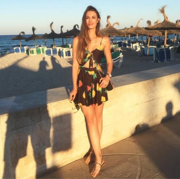 Tara Zupančič je na svojem Instagram profilu objavila tole fotografijo iz počitnic na Palmi De Mallorci. A nima noro luštne …
