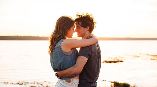 6 znakov, da si spoznala pravo osebo ob napačnem času