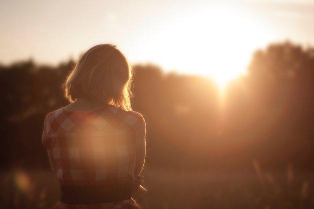 Razbremenite se, rešite se občutkov krivde (foto: Unsplash/Sunset Girl)