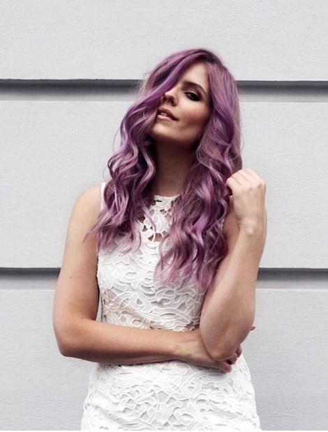 AJDA SITAR, blogerka: Ena izmed zadnjih in bolj opaznih sprememb je vsekakor Ajdina, katere njeni blond lasje so postali že …