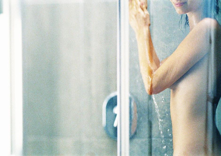 90-sekundni jutranji trik, ki pospeši prebavo in pomaga pri hujšanju (foto: Profimedia)