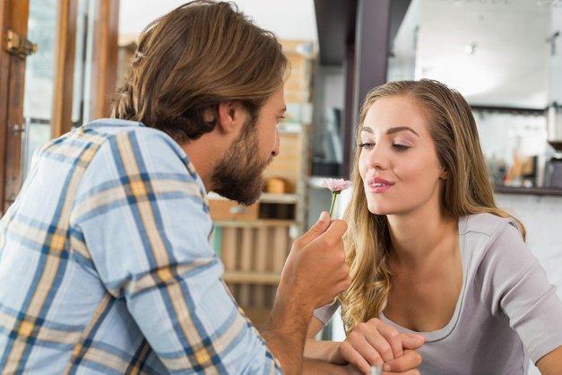 Tega nikoli ne smeš obleči za na zmenek (nasvet stilistke!) (foto: Profimedia)