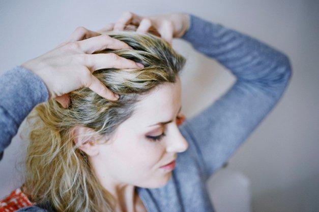 5 nenavadnih stvari, ki se zgodijo, če lasišču privoščiš TO 'simpl' masažo (foto: Profimedia)
