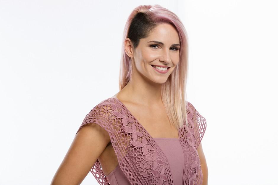 Lea Sirk (Znan obraz ima svoj glas) je shujšala za 10 kg - Tako ji je uspelo! (foto: POP TV)