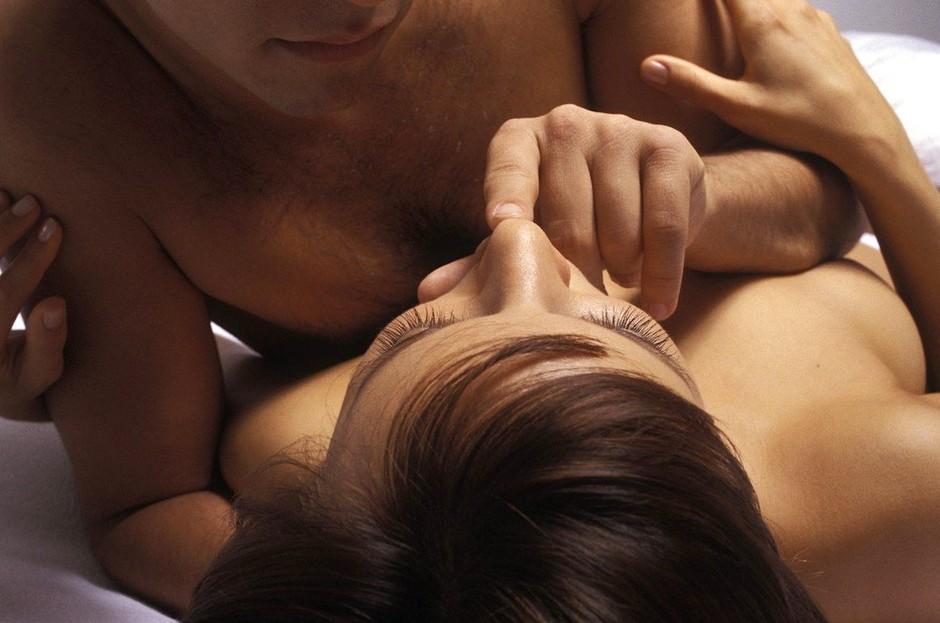Za moške: Kako vzbuditi njeno hrepenenje (foto: Profimedia)