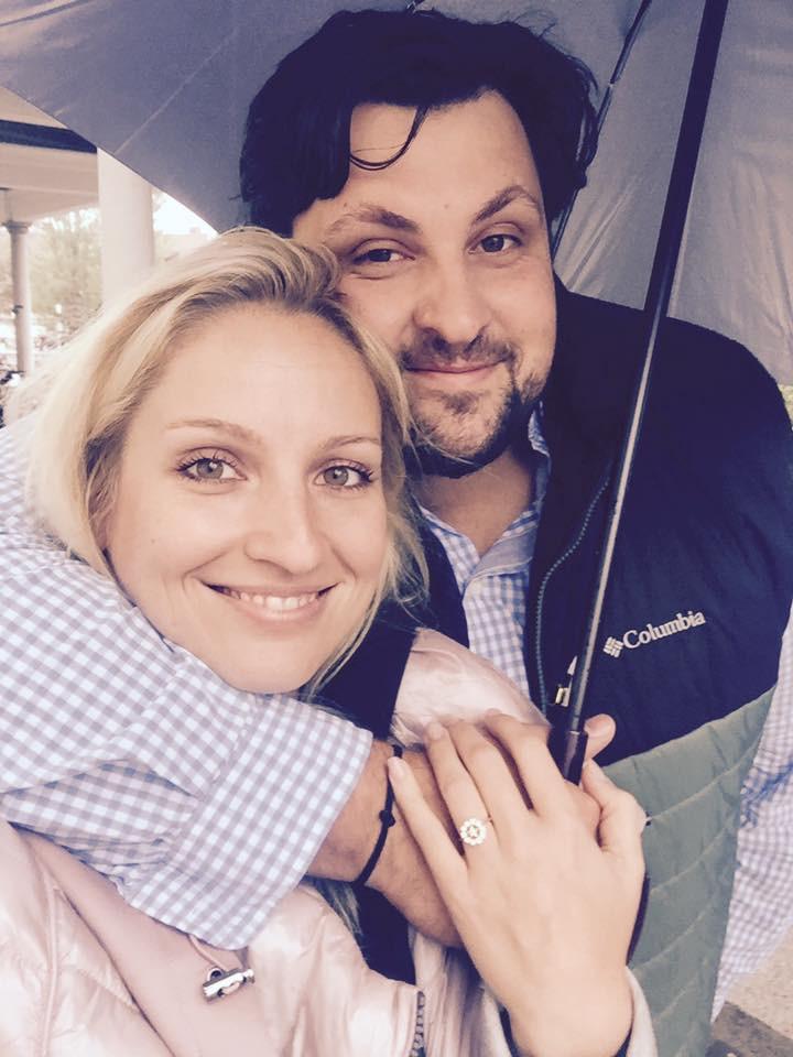 Poročila se je velika dobrodelnica Ana Lukner (poglej to čudovito poročno obleko) (foto: facebook.com/ana.lukner)