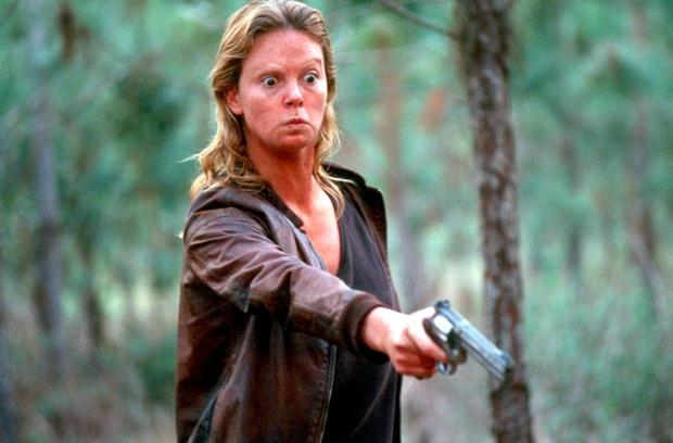 Charlize Theron se je za vlogo v filmu Pošast, kjer je igrala serijsko morilko, zredila za 13 kilogramov. Poleg tega …