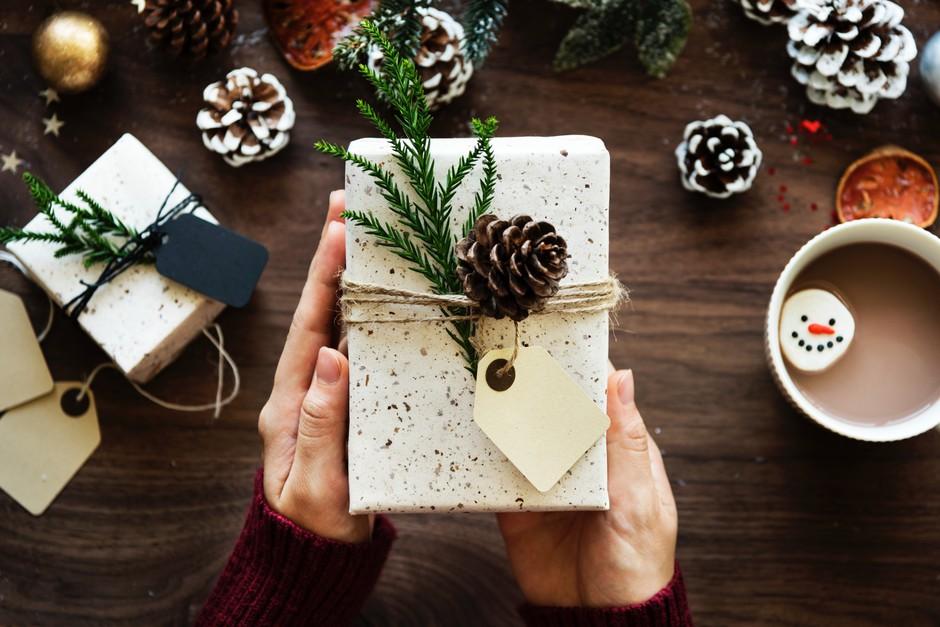 Letošnji trendi za praznično okrasitev doma (+ideja za božično sladico) (foto: Unsplash/Rawpixel.com)