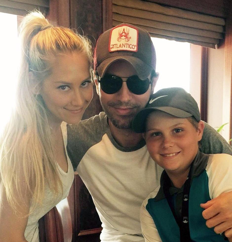 Enrique Iglesias in Anna Kurnikova sta KONČNO pokazala svoja dvojčka Lucy in Nicholasa (foto: Profimedia)