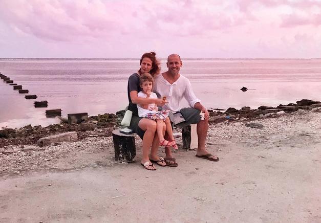 Poglej, kako prisrčni hčerkici ima voditelj Peter Poles (foto: Instagram Nika Veger)