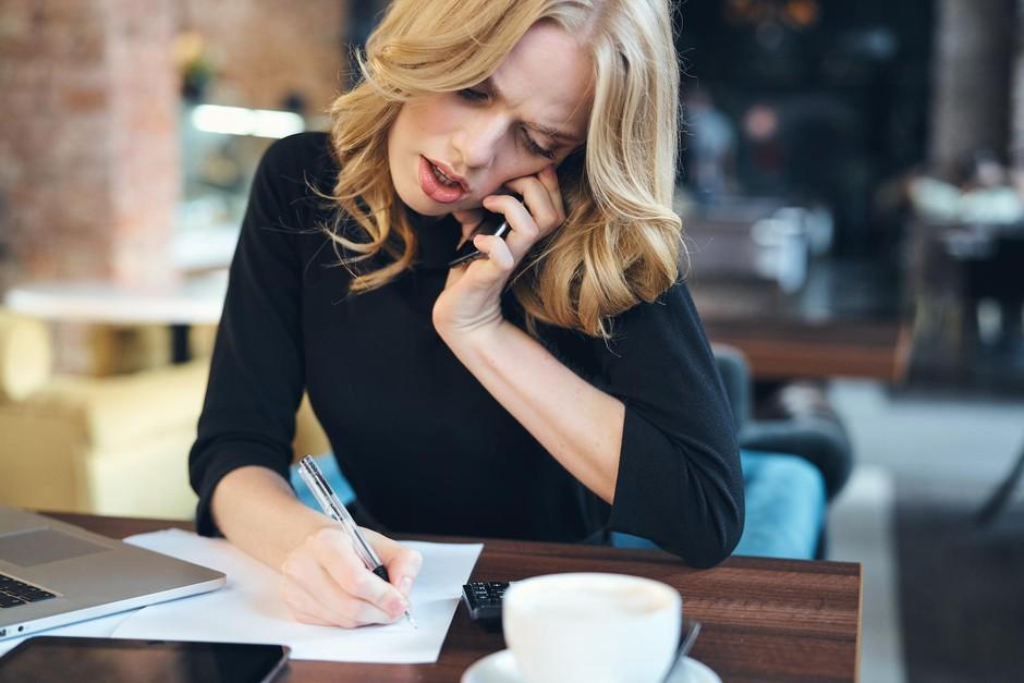 Ali 8-urni delovnik tebi pomeni polovični delovni čas? Naredi PREDAH! (foto: Shutterstock)