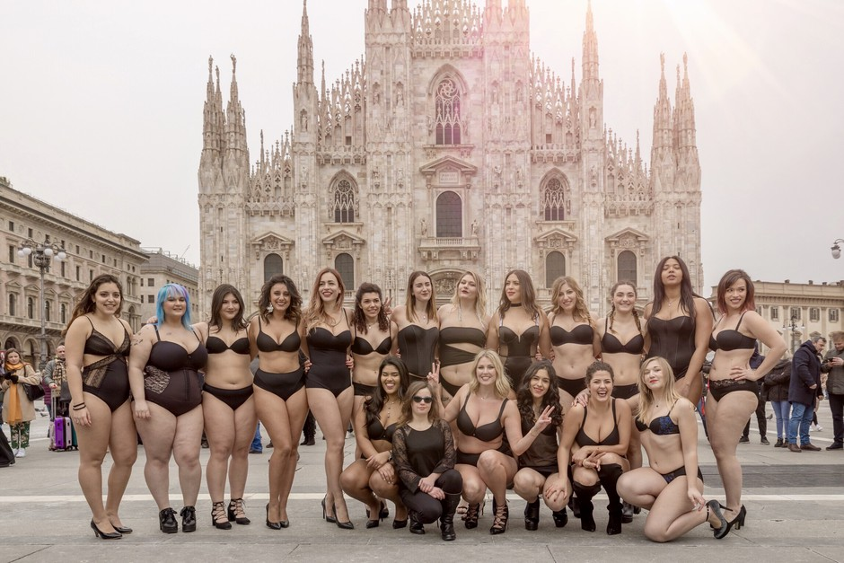 VIDEO: Laura Brioschi za 'Body positive' flashmob v središču Milana izbrala perilo Lisca (foto: Mattia Abbiati)