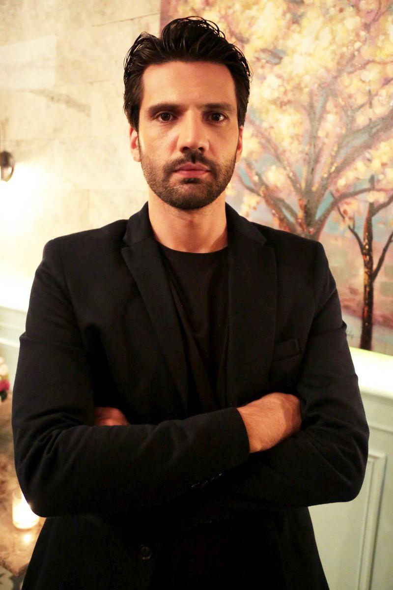 Podrobnosti, ki jih do zdaj še nisi poznala o Kaanu Urgancıoğlu (Emir v seriji Moja boš) (foto: POP TV)