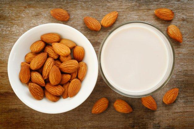 Je mandjevo mleko res bolj zdravo kot kravje? Tu je odgovor! (foto: Profimedia)