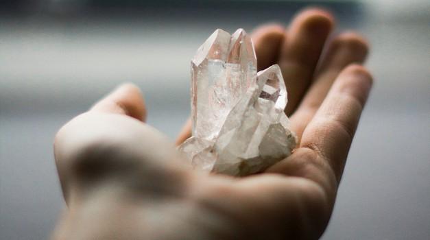 Zakaj je kristaloterapija top stvar, ki jo moraš preizkusiti? (foto: Unsplash.com/Kira auf der Heide)
